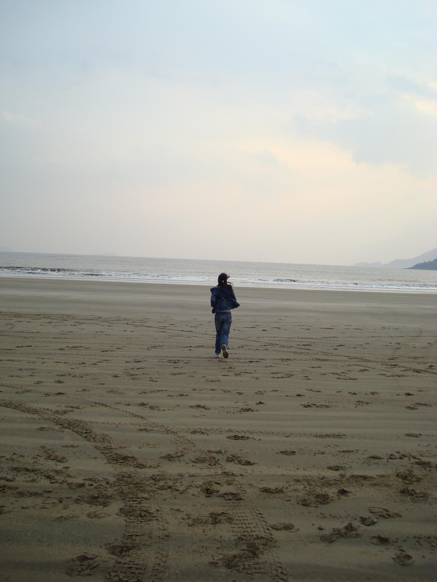 海边的背影